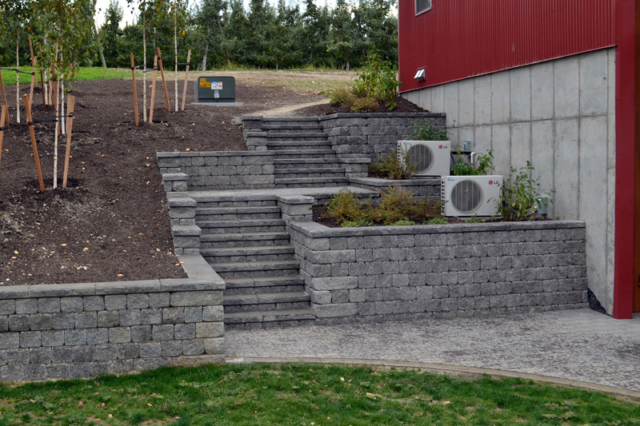 Hardscape Rock Walls